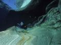 Foglie-d'autunno-sulle-rocce-+-sub-24